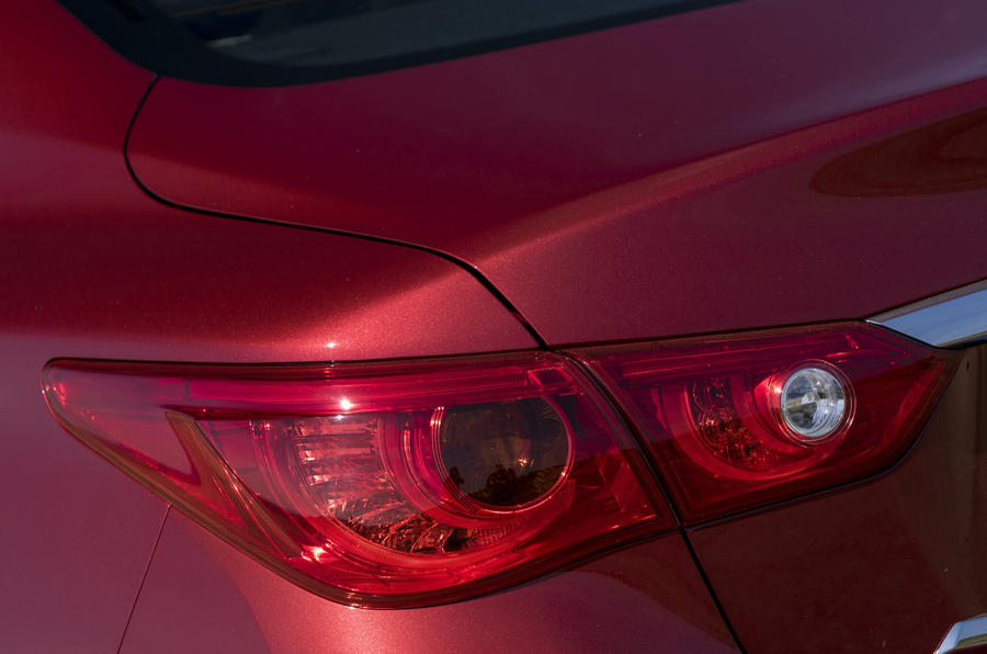 Infiniti Q50 rear lights