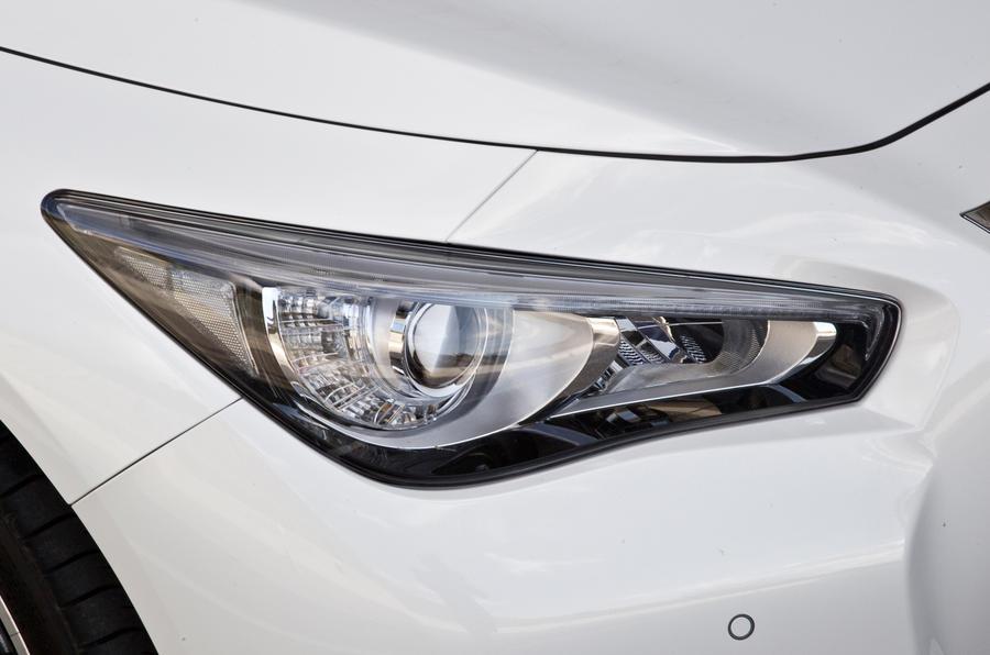 Infiniti Q50 headlights