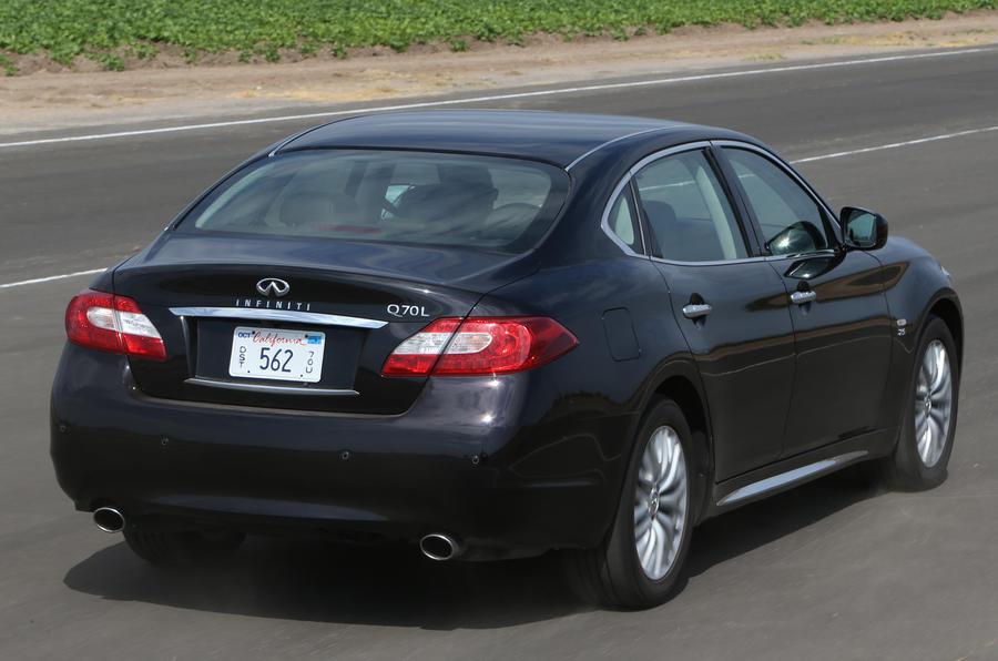 Infiniti Q70L rear