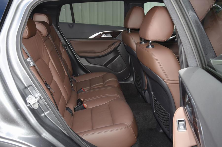 Infiniti QX30 rear seats