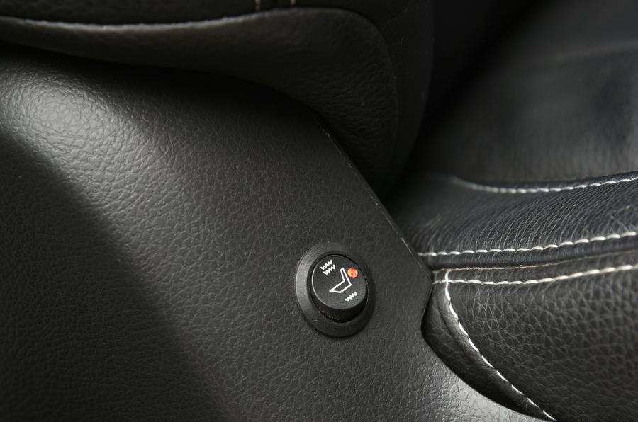 Isuzu D-Max heated seats