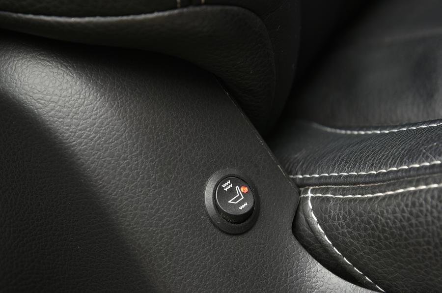 Isuzu D-Max heated seats