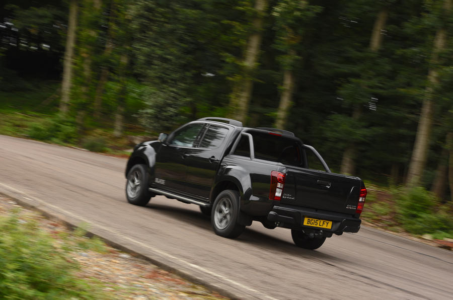 Isuzu D-Max rear cornering