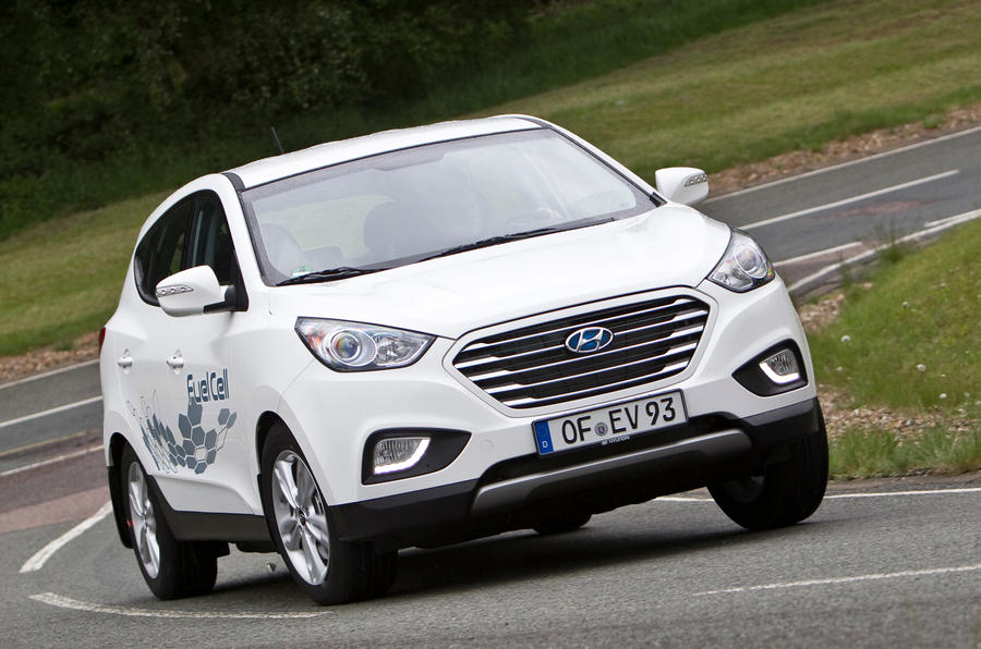 Quick news: Makers units over hydrogen; New top-end Kias; JLR goes solar