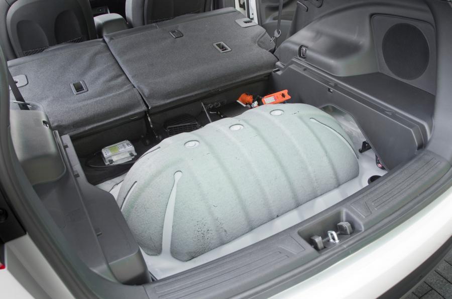 Hyundai ix35 hydrogen fuel tank