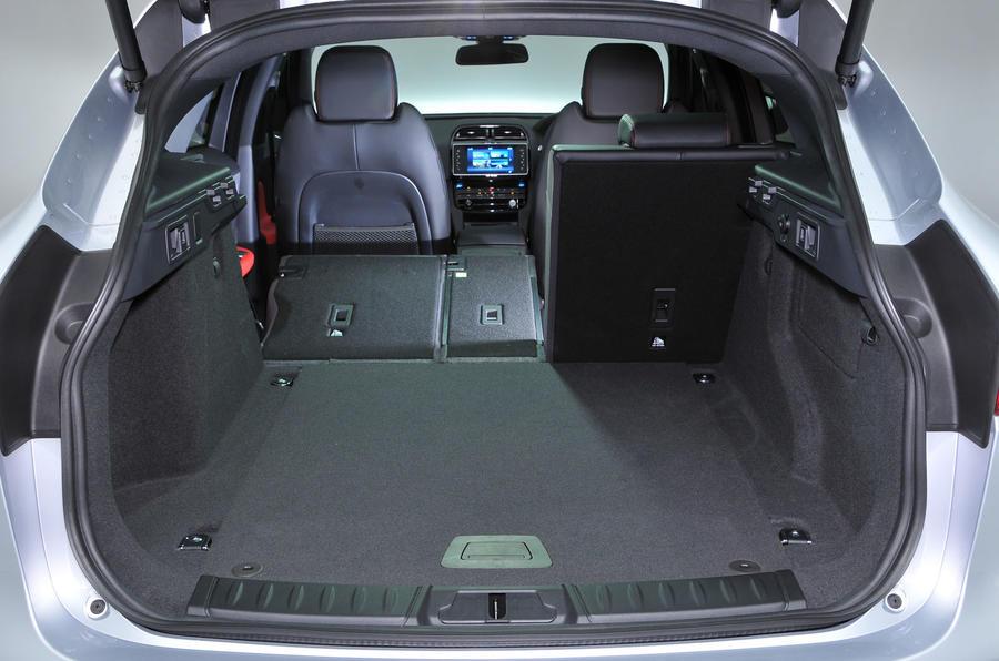 ... Jaguar F Pace Boot Space ...