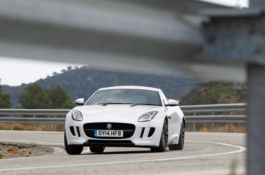 Jaguar F-type coupé cornering