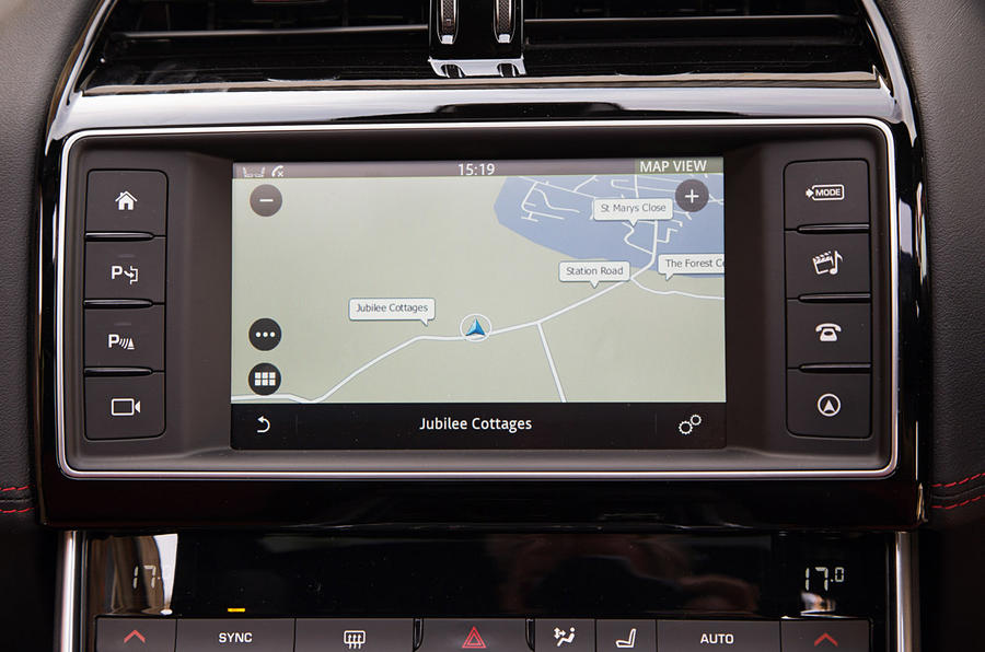 The simple layout of the infotainment system in the Jaguar XE