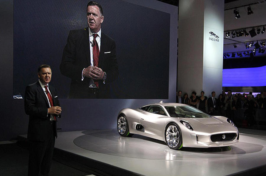 Jaguar boss to stand down