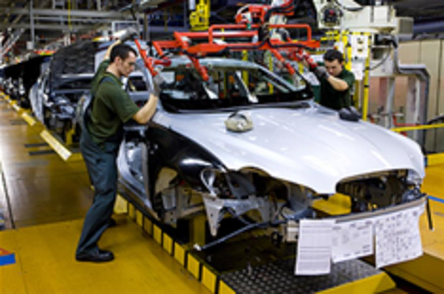 JLR votes for pay freeze