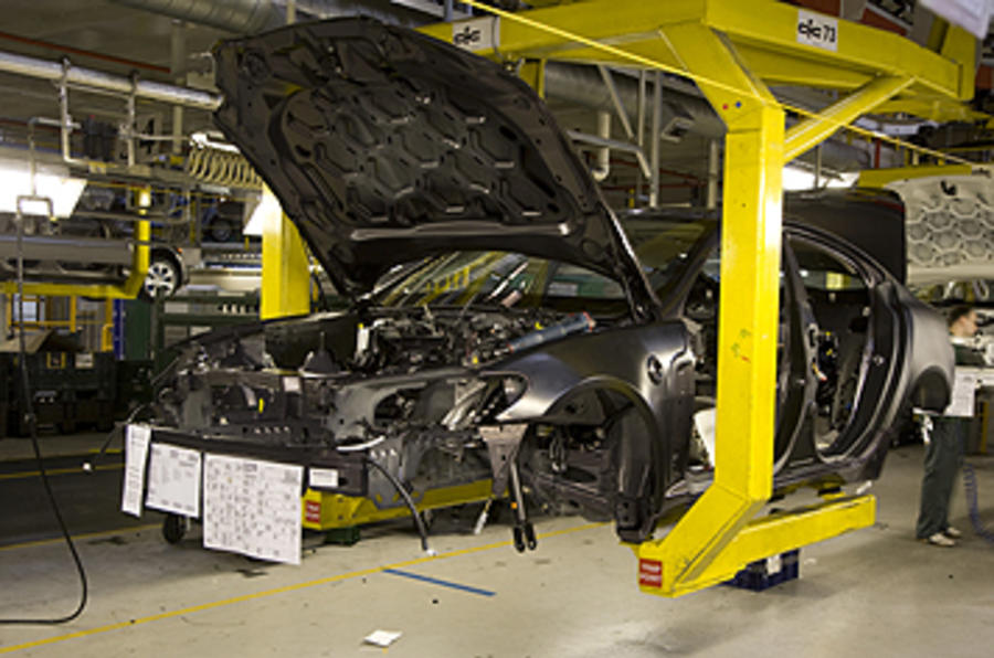 'Government must help car industry'