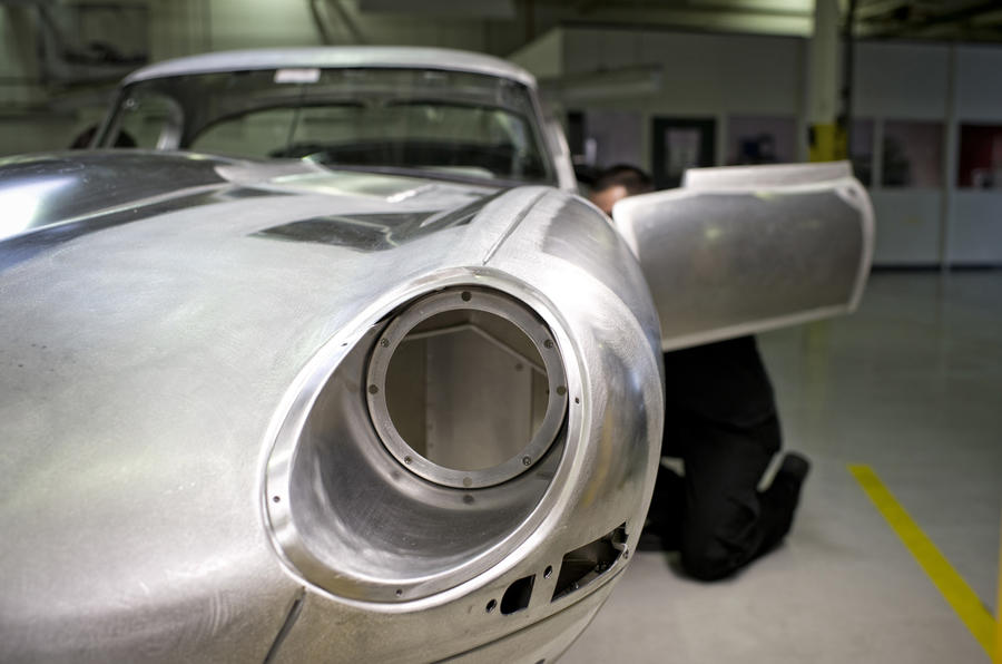 Jaguar to build six new Lightweight E-types