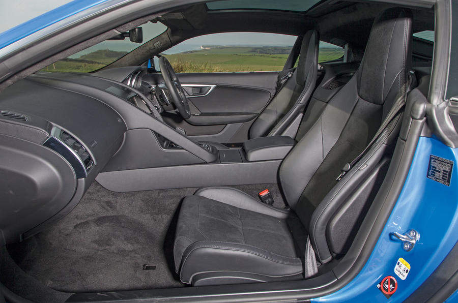 Jaguar F-Type 2.0 front seats