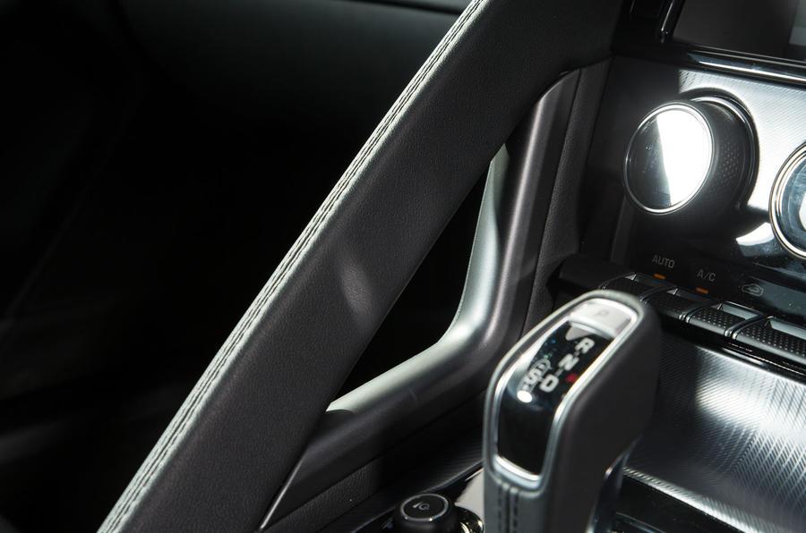 Jaguar F-Type 2.0 grab handle