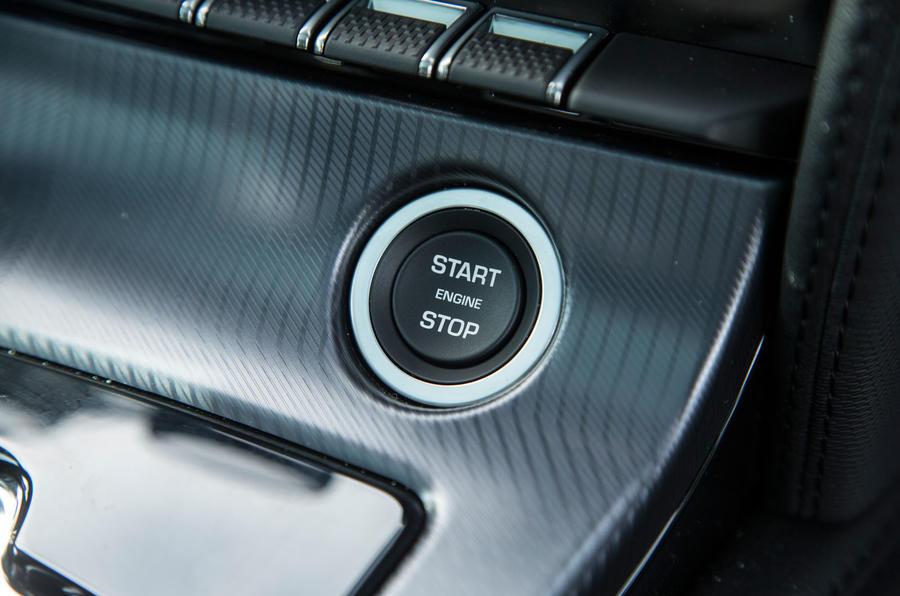 Jaguar F-Type 2.0 keyless ignition