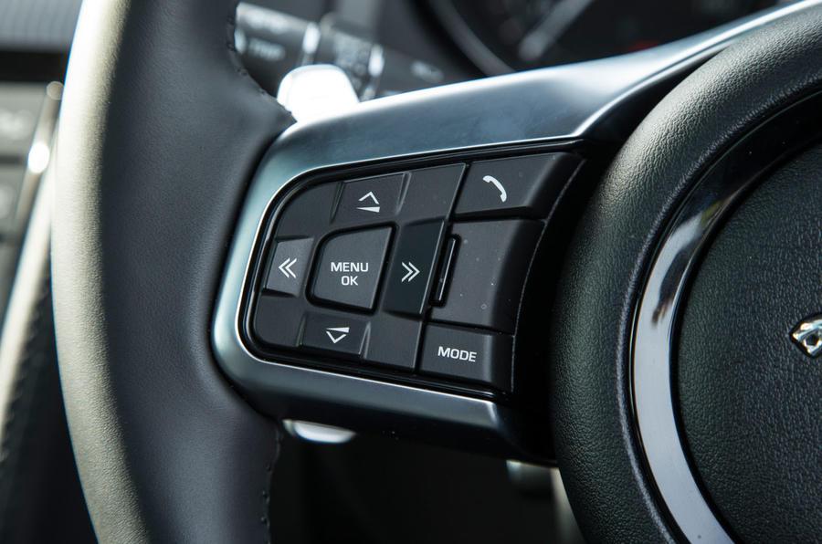 Jaguar F-Type 2.0 steering wheel controls