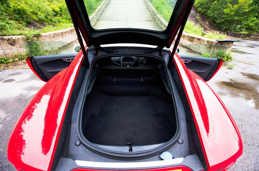 Jaguar F-Type boot space