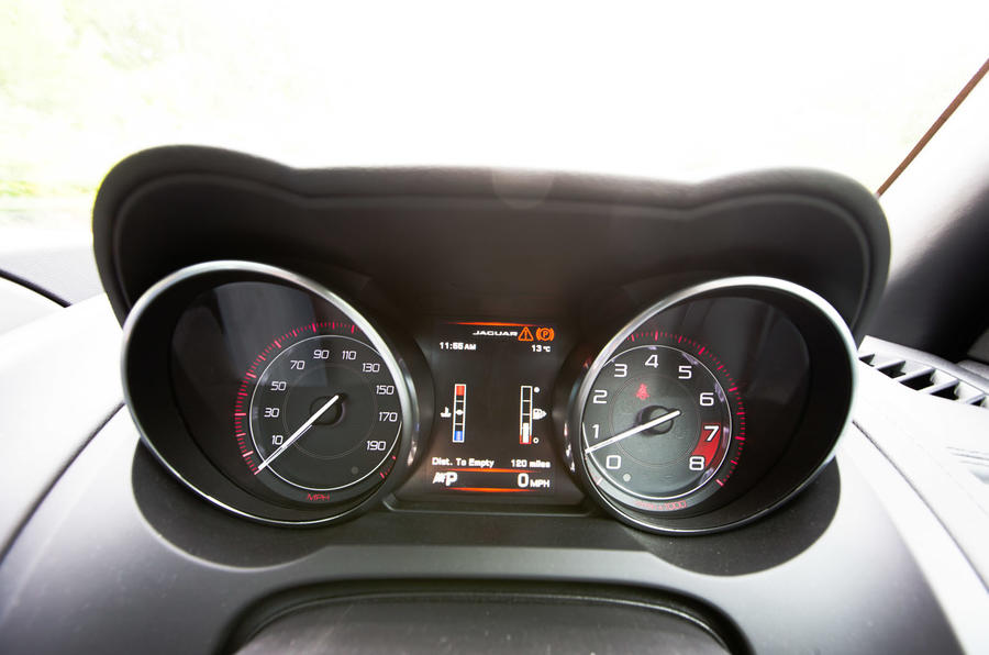 Jaguar F-Type instrument cluster