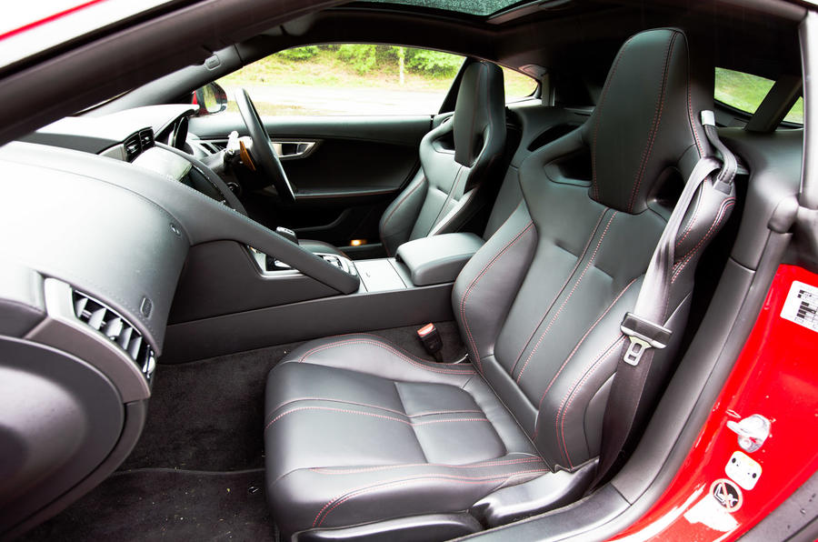 Jaguar F-Type Coupé interior