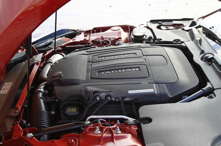 5.0-litre V8 F-Type R engine