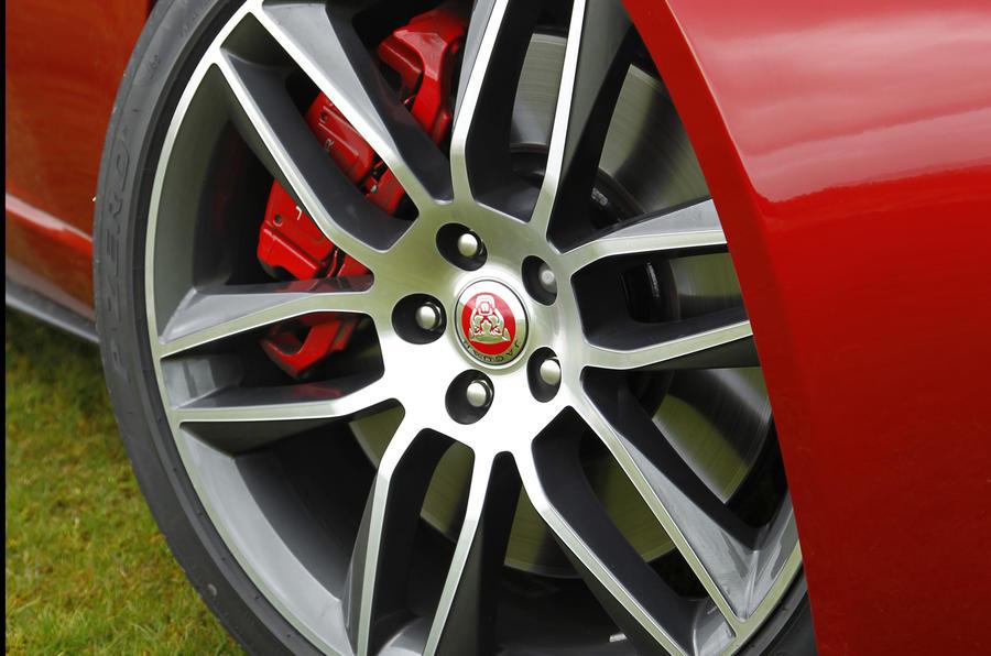 Jaguar F-Type R alloy wheels