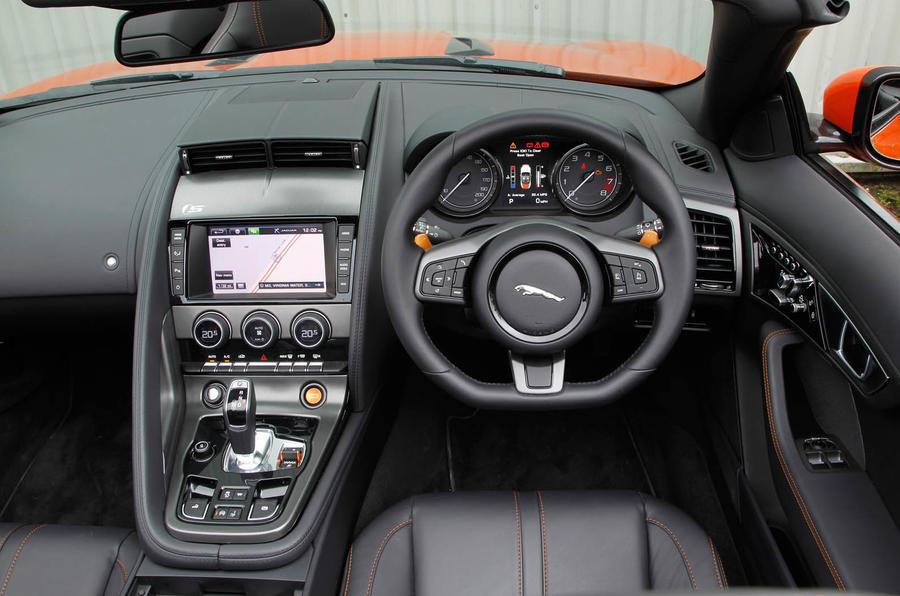 Jaguar f type convertible review 2019 autocar - Jaguar f type r coupe interior ...