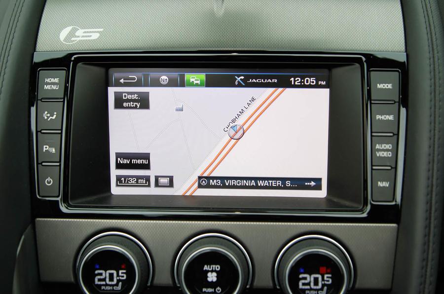 Jaguar F-Type infotainment system