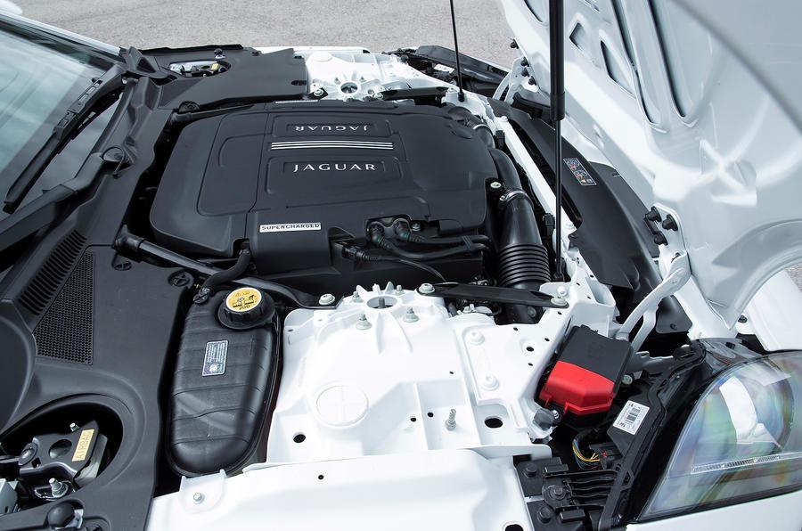3.0-litre V6 Jaguar F-type engine
