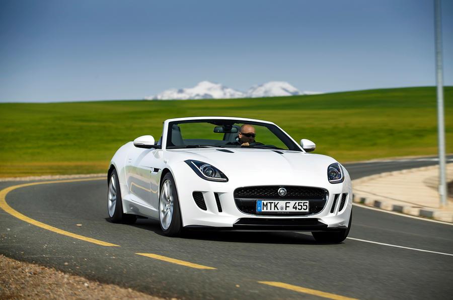 Jaguar F-type V6 cornering