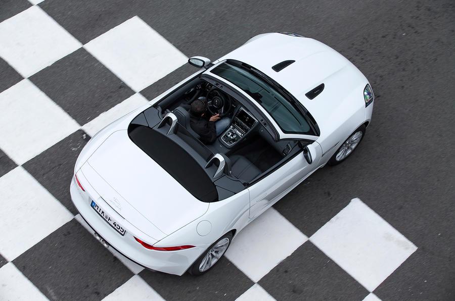 Jaguar F-type V6 roof open