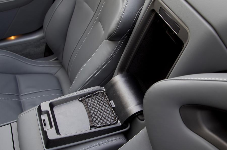 Jaguar F-type V6 S cubbyhole
