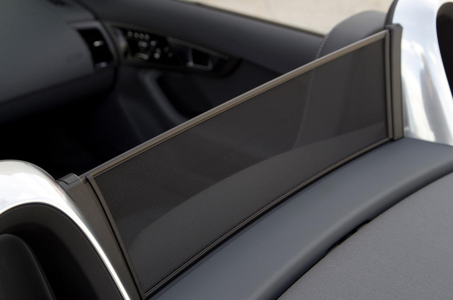 Jaguar F-type V6 S wind deflector