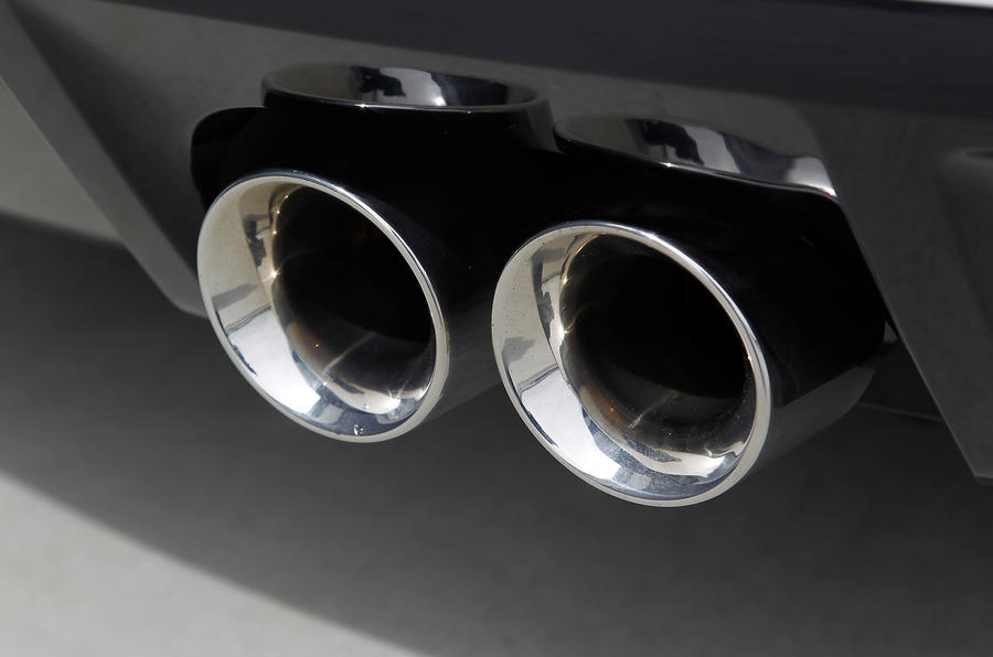 Jaguar F-type V6 S twin exhaust