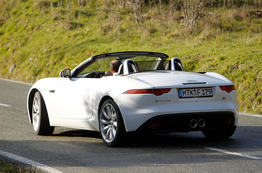 Jaguar F-type V6 S rear
