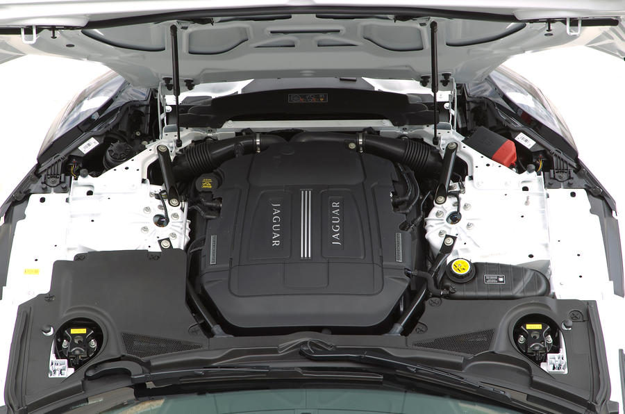 3.0-litre V6 Jaguar F-type engine