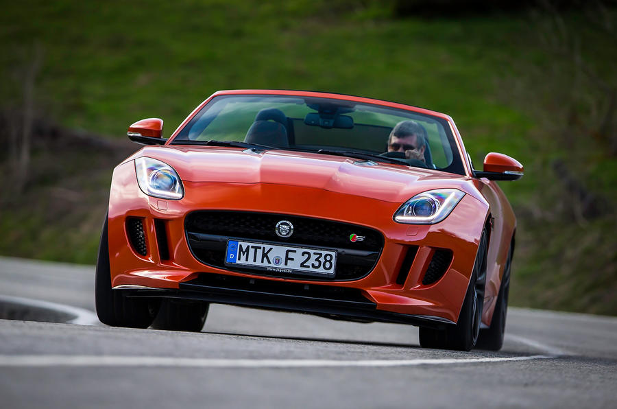 Jaguar F-type V8 S cornering