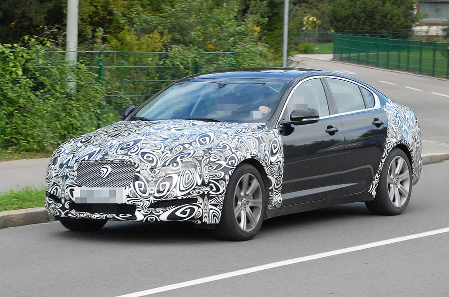 Jaguar XF facelift - first pics