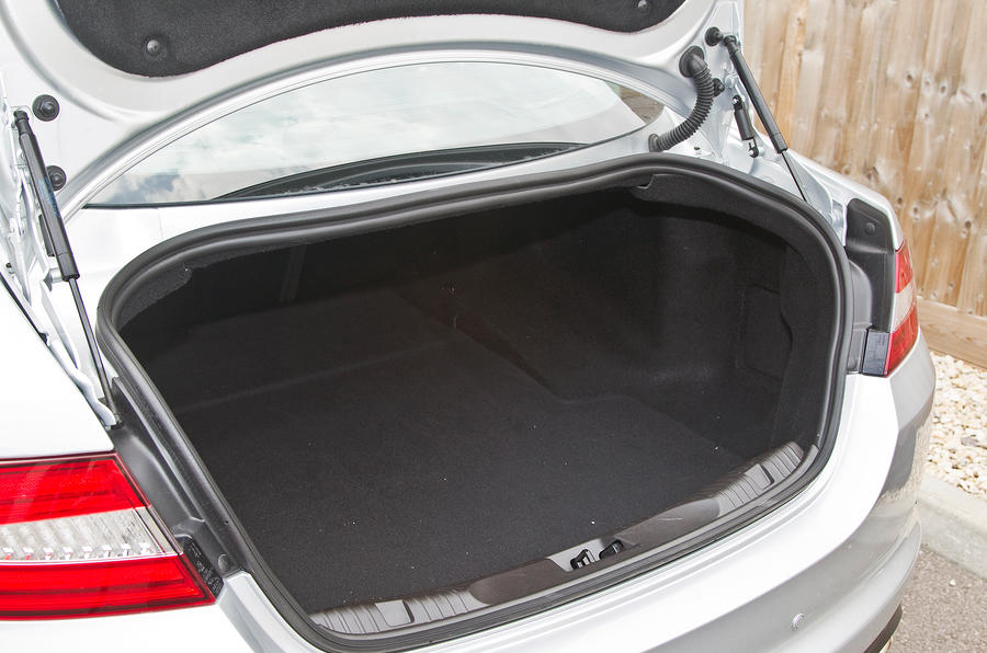 Jaguar XF boot space