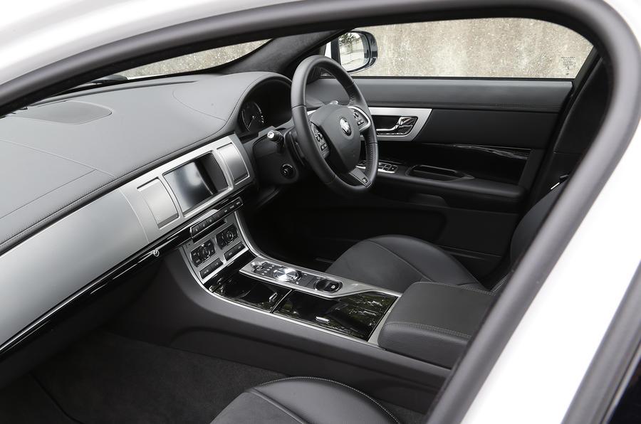 Jaguar XF R-Sport interior