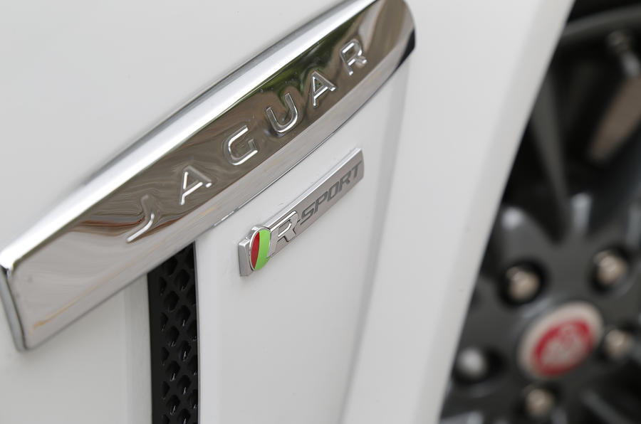 Jaguar XF R-Sport badging