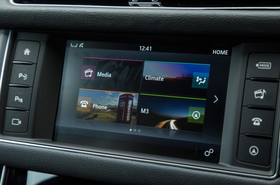 Jaguar XF infotainment system