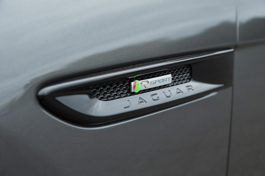 Jaguar XF side vents