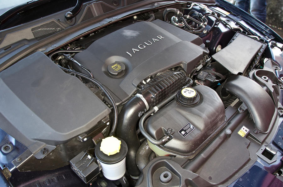 Twin-turbo 3.0-litre Jaguar XF Sportbrake diesel engine