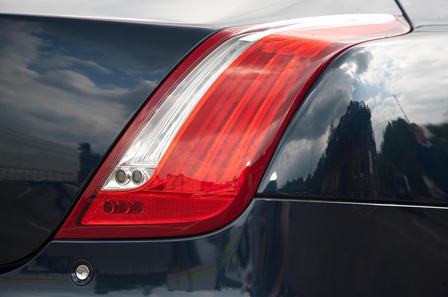 Jaguar XJ LED tailights