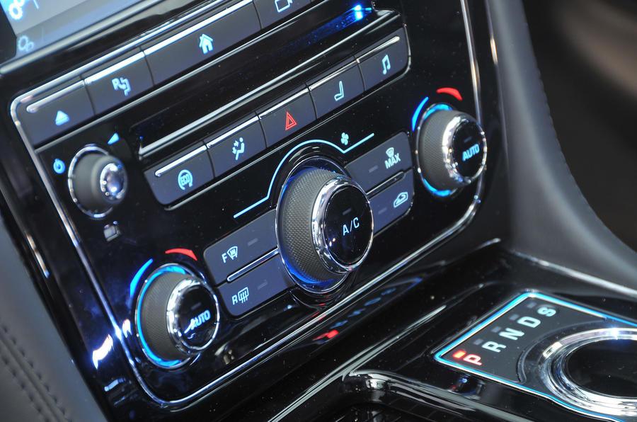 Jaguar XJ Review (2019) | Autocar