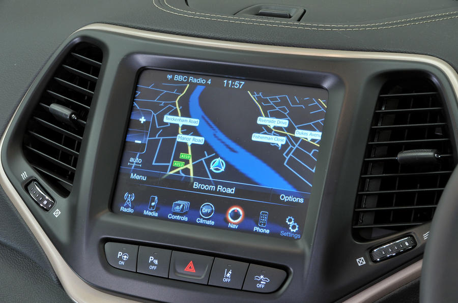 Jeep Cherokee infotainment system
