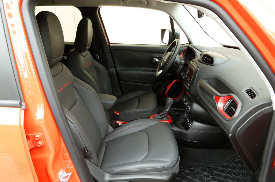 Jeep Renegade front seats