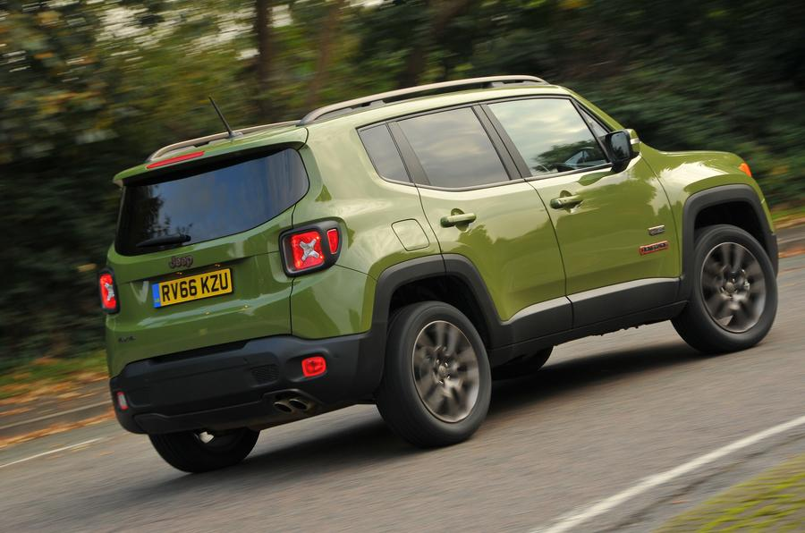 Jeep Renegade rear cornering