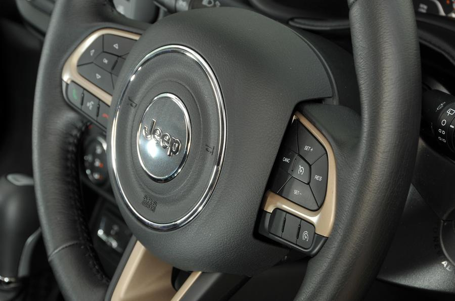 Jeep Renegade steering wheel