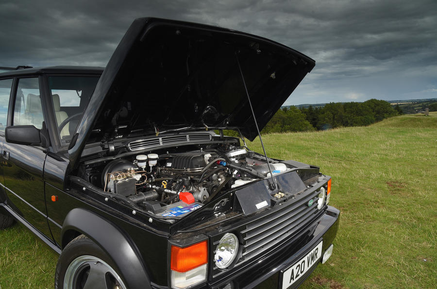 JIA Chieftain Range Rover engine bay
